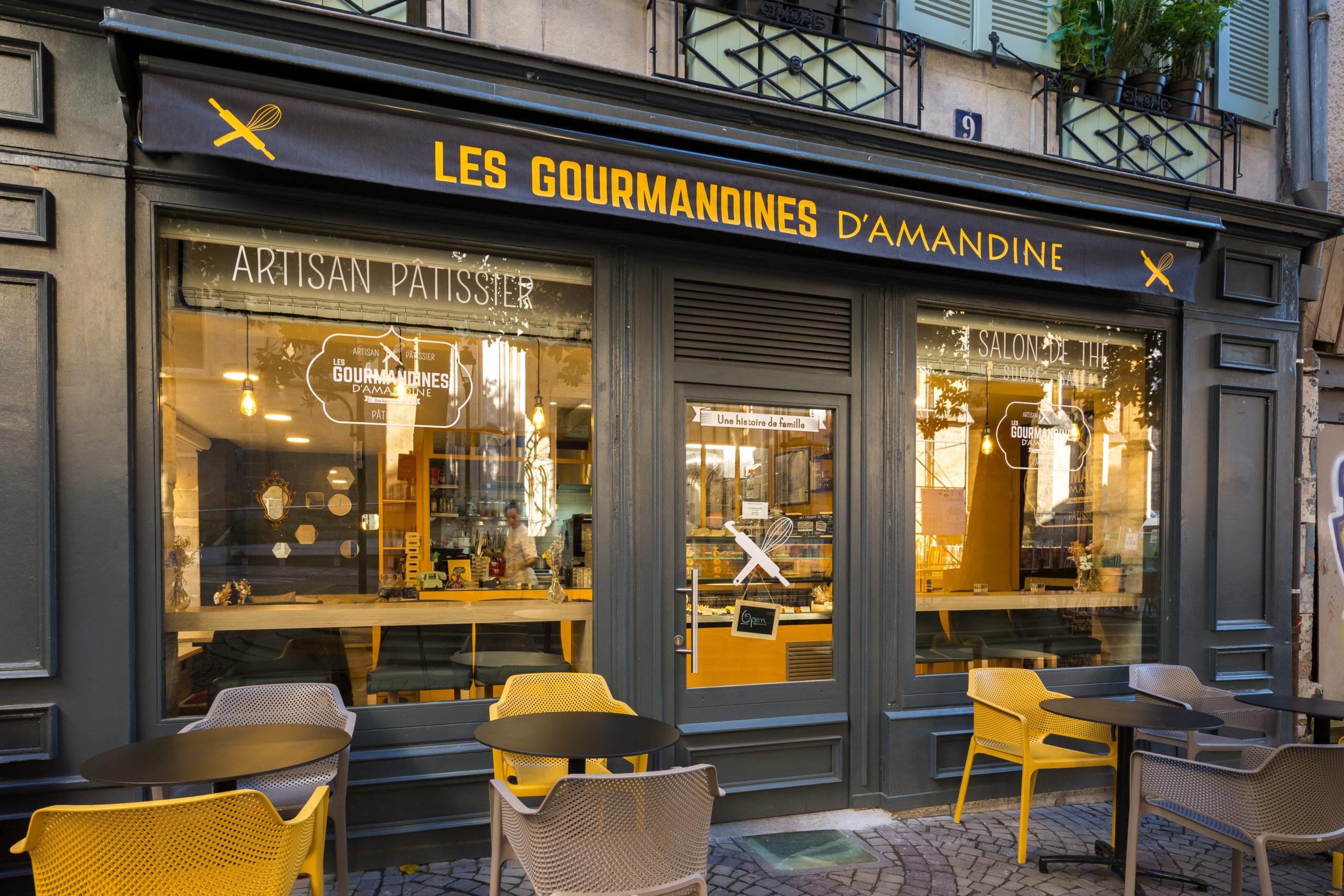 Atelier-Plurielles-Architectures-Aménagement-patisserie-Bayonne-terrasse