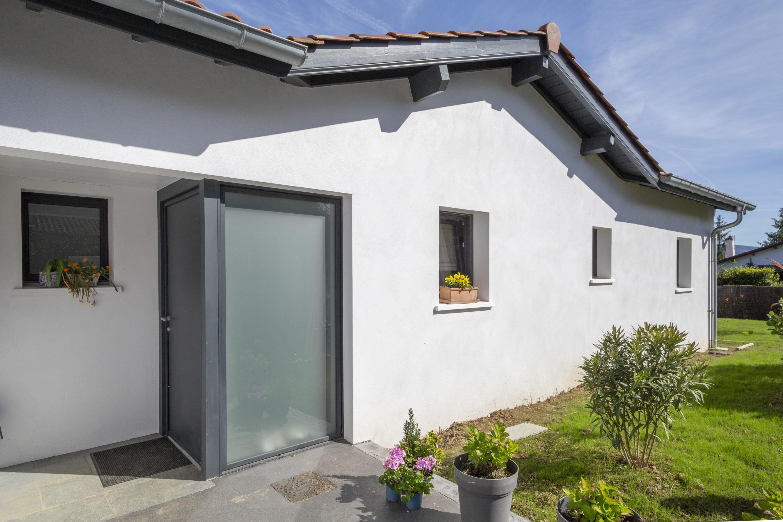 Atelier-Plurielles-Architectures-Construction maison Basque à Hendaye- façade