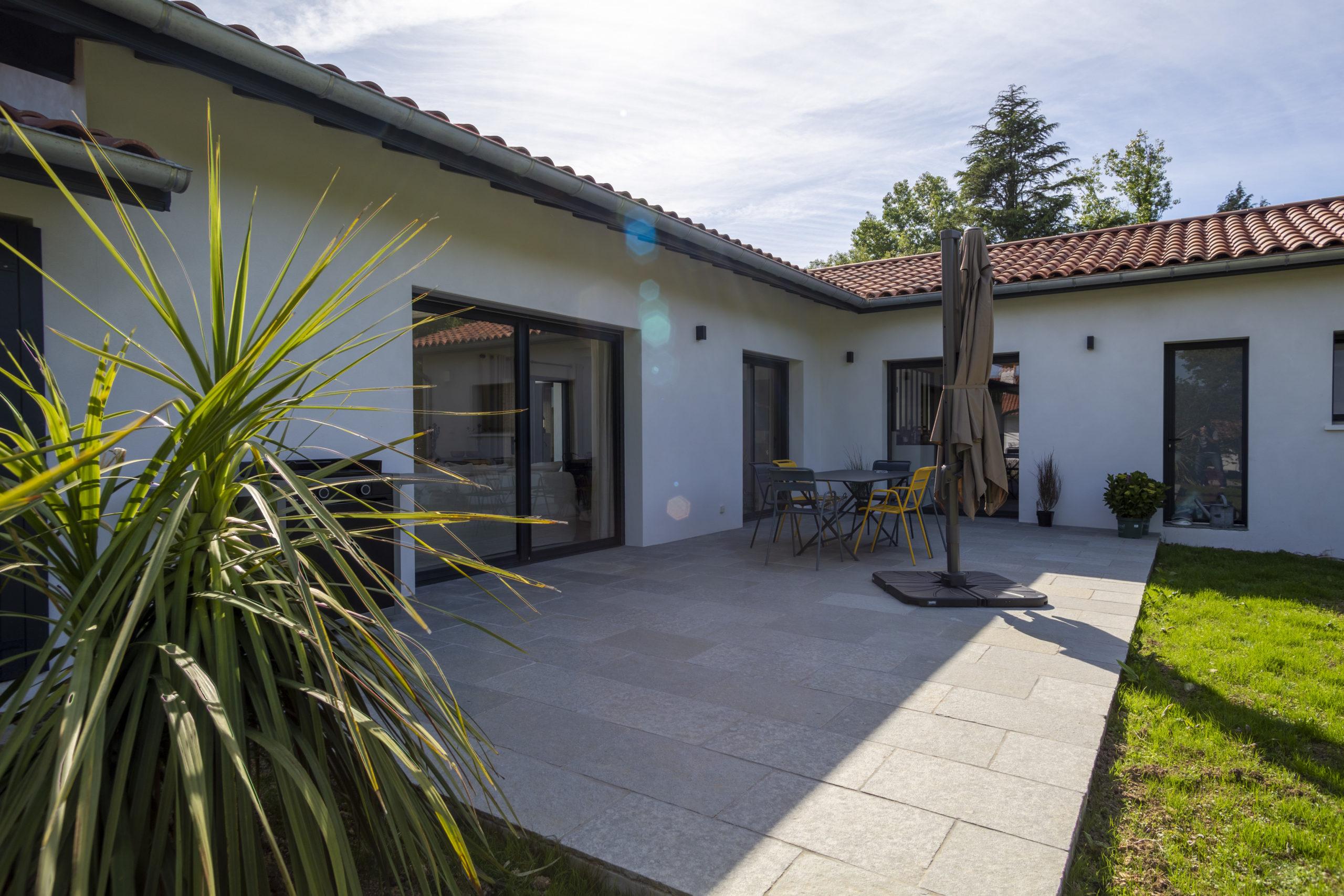Atelier-Plurielles-Architectures-Construction maison Basque à Hendaye- terrasse