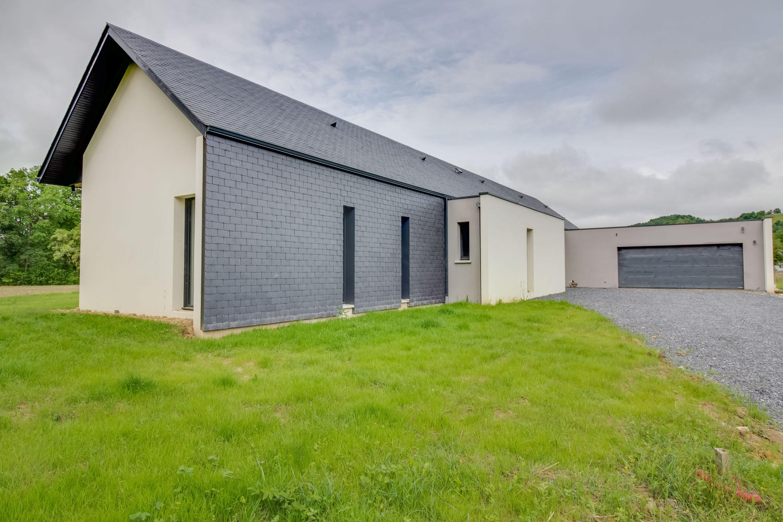 Atelier-Plurielles-architectures-construction-maison-Bearn-extérieur garage