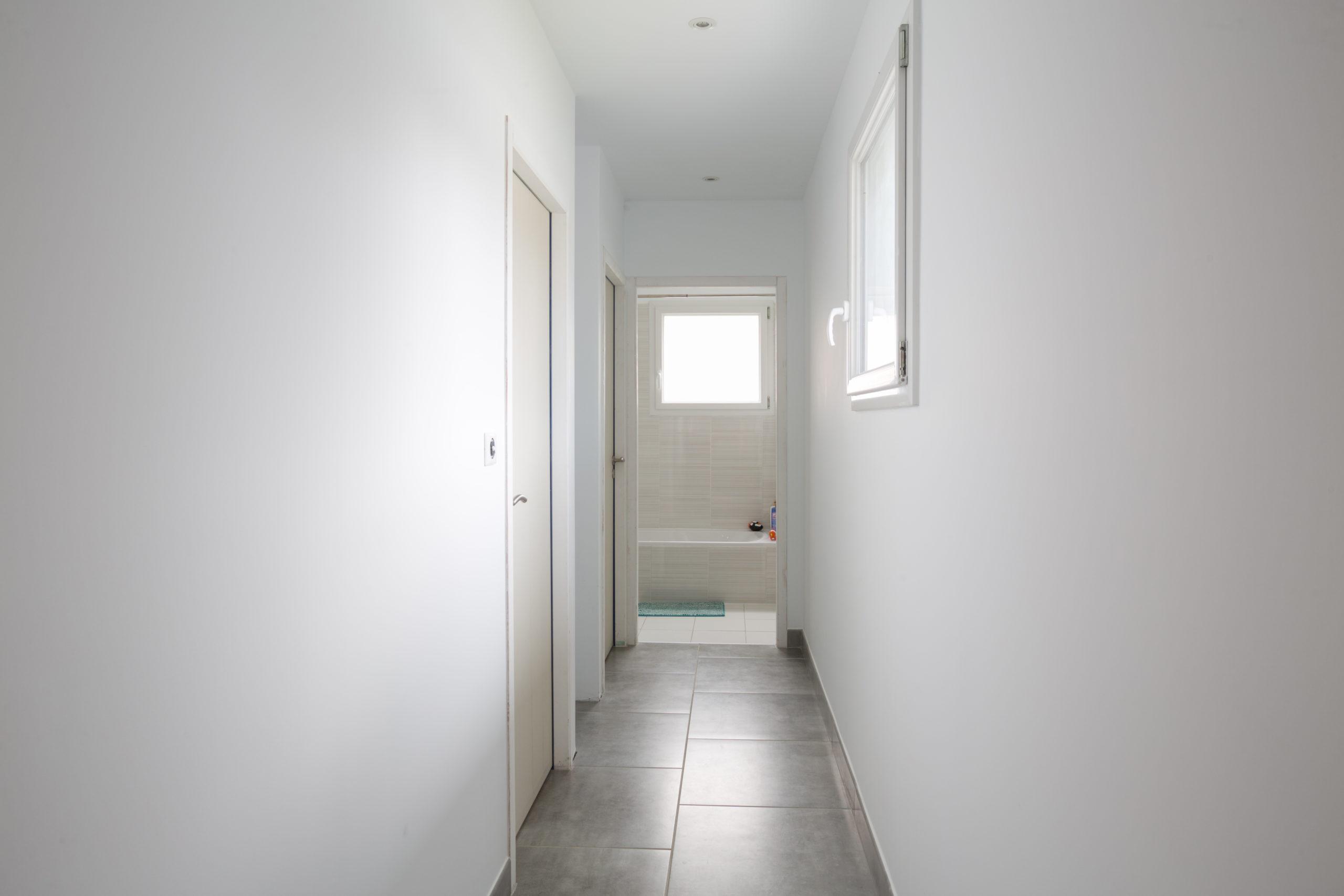 Atelier Plurielles Architectures - Maison Basque à Briscous - couloir