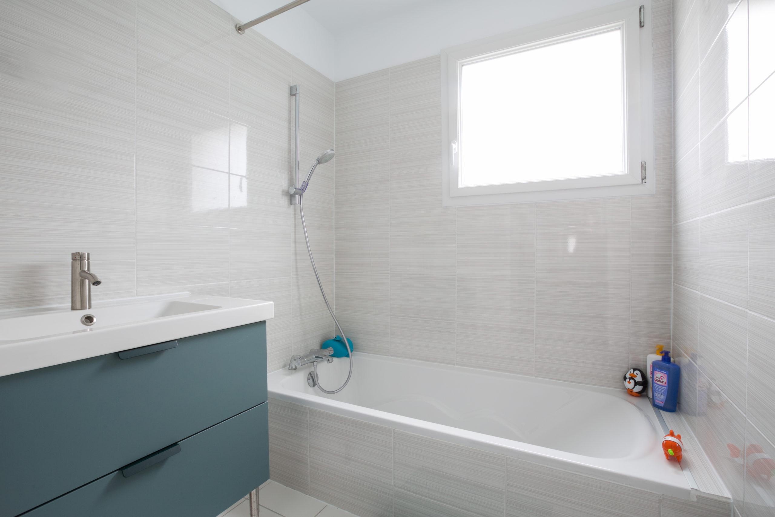 Atelier Plurielles Architectures - Maison Basque à Briscous - salle de bain