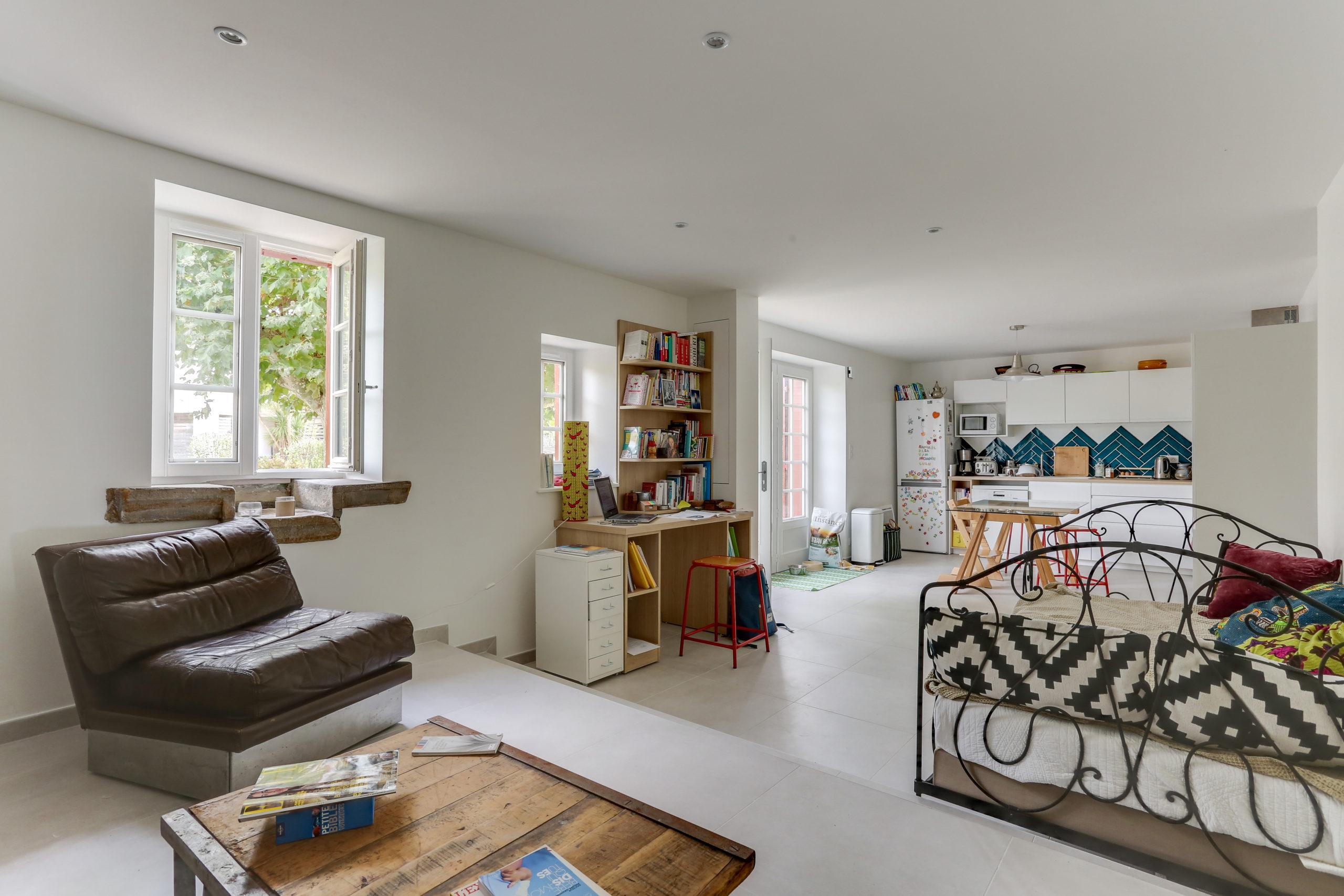 Atelier Plurielles Architectures -renovation-appartement-Ahetze-piéce à vivre