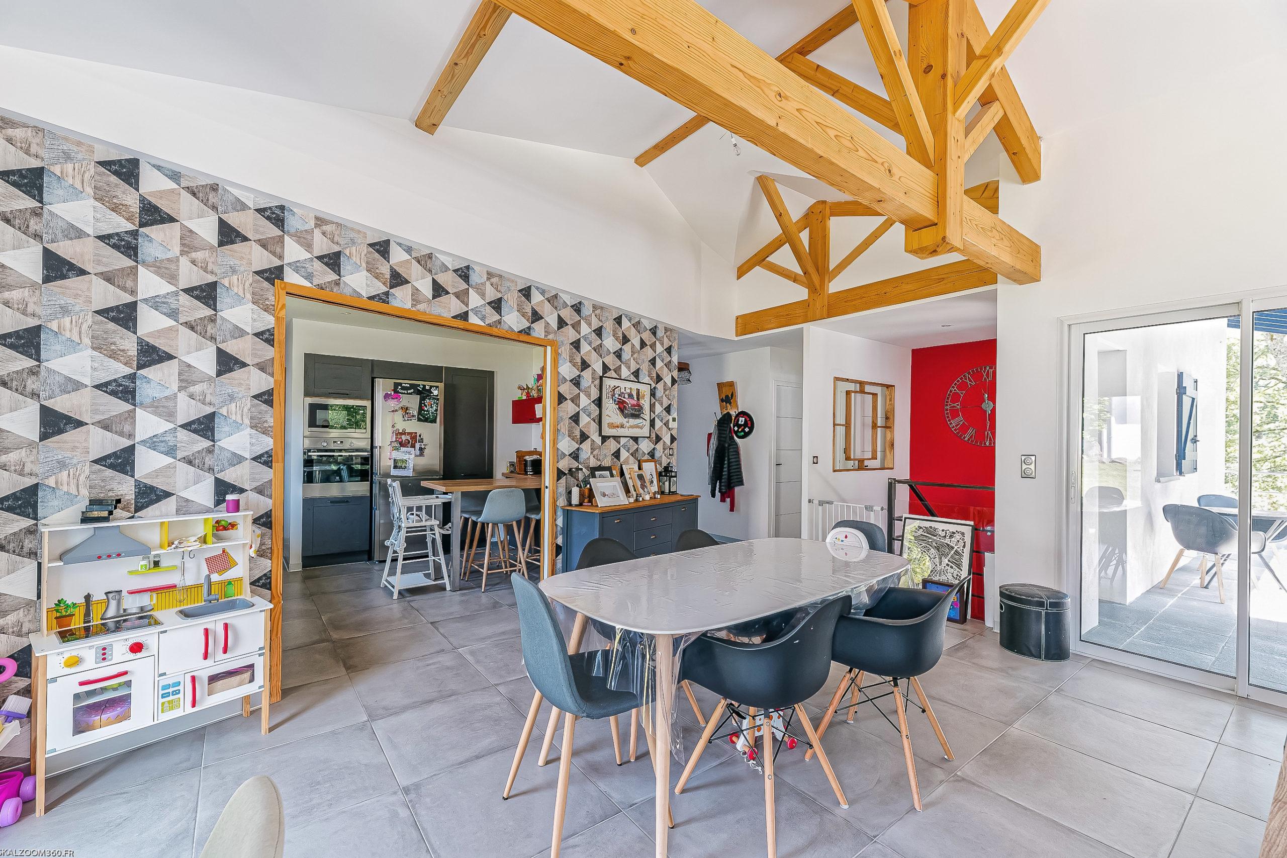 Plurielles architectures réalisation d'une maison neuve à Saint Pierre d'Irube piéce à vivre