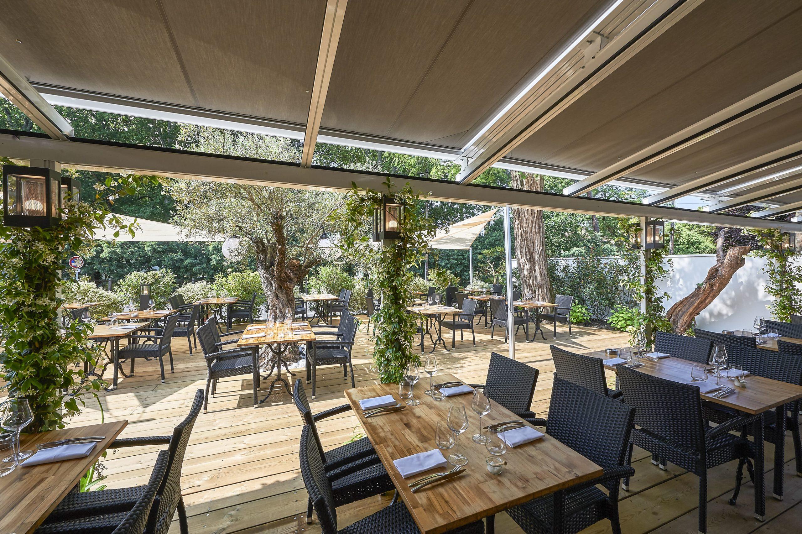 Atelier Plurielles Architectures Rénovation restaurant Gujan Mestras - terrasse