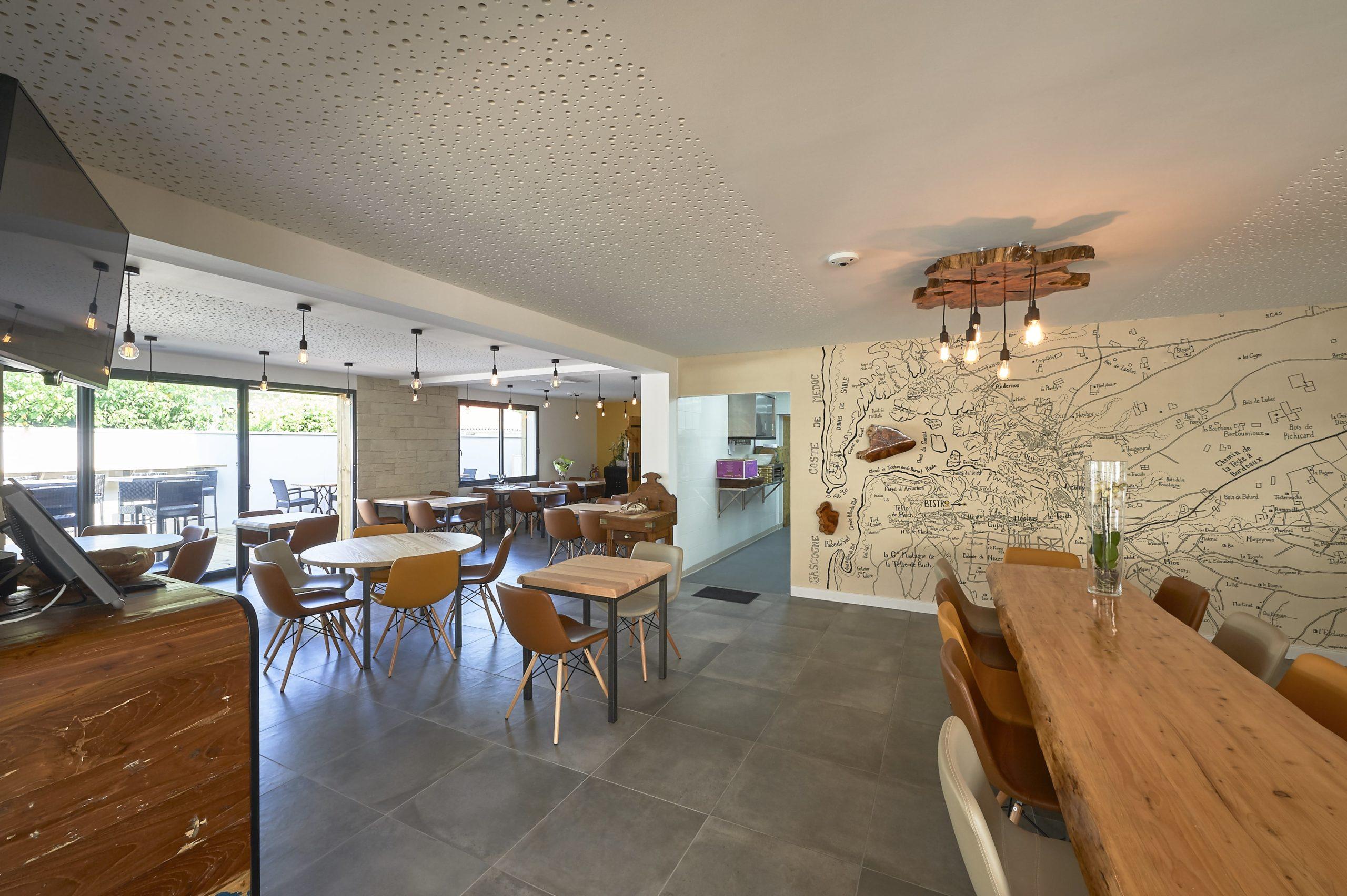 Atelier Plurielles Architectures Rénovation restaurant Gujan Mestras - salle de restaurant